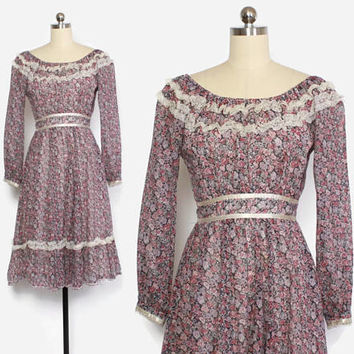 Vintage 70s GUNNE SAX DRESS / 1970s Dusty Floral Lace Trim Off the Shoulder Midi Dress S - M