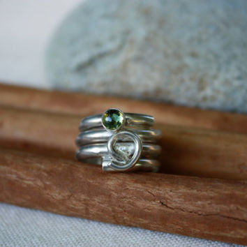 Peridot Sterling Silver Ring. Wide Wrap Around Band with Swirl Design Ring. Green Peridot. Size 7 ring.