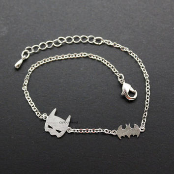 Mask and bat Bracelets / batman Bracelets / batman charm Bracelets / Hero bracelet -availalble colors in ( Silver, Gold )
