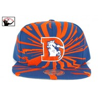 Earthquake Solid Snapback Hat - Mitchell & Ness