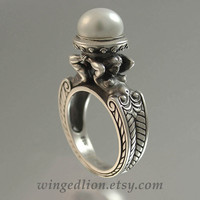 CARYATID Silver Ring with White Pearl