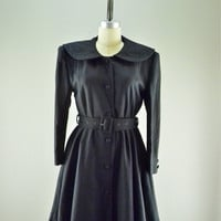 Black wool Princess coat / Vintage coat / 40s style Fit and Flare coat