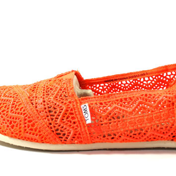 Toms Women's Classics Neon Coral Crochet Casual Shoes