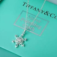 ONETOW Tiffany & Co. sterling silver snowflake necklace