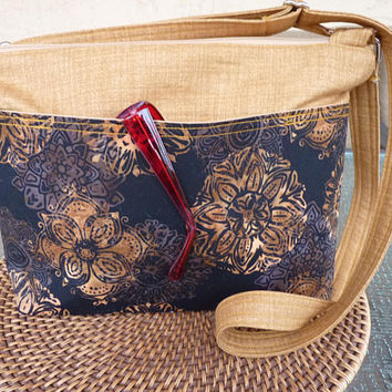 Handcrafted  Cross Body Shoulder Bag/Handbag/Purse with Outside Pockets and Adjustable Strap