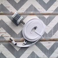 New Super Cute Jeweled Black & White ZigZag Designed USB Wall Connector + 10ft Flat White iPhone iPhone 5/5s/5c Cable Cord