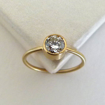 Diamond Engagement Ring - 0.5 Carat Diamond Ring - 18k Gold