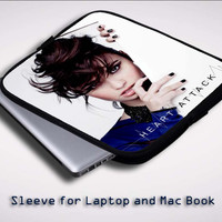 Demi lovato with heat Z0010 Sleeve for Laptop, Macbook Pro, Macbook Air (Twin Sides)