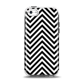 The Black & White Sharp Chevron Pattern Apple iPhone 5c Otterbox Symmetry Case Skin Set