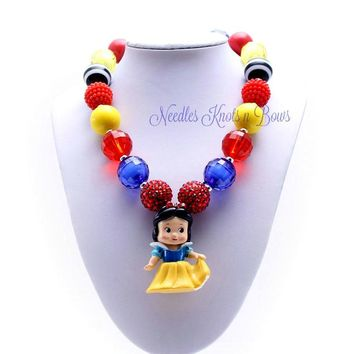 Snow White Chunky Bead Bubblegum Necklace, Disney Princess Necklace, Girls Jewelry