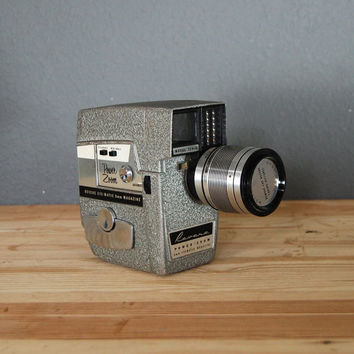 Vintage 8mm Camera / Revere 8mm Movie Camera / Mid Century