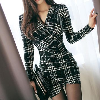 TUHAO Vintage Plaid Dresses Winter Women Long Sleeve Bodycon Office Business Work Dress Pencil Lace Dress YH129