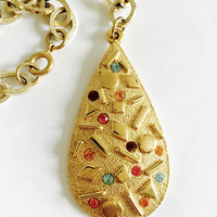 "Vintage Retro ""Sara-Zade"" Sarah Coventry Textured Teardrop Rhinestone Pendant Necklace on Thick Chunky Gold Curb Chain"