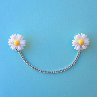 "Handmade ""Darling Daisy"" Large Daisy Sweater/Collar Pins with Silver Chain"