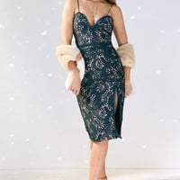 Stylestalker Davis Deep-V Lace Midi Dress - Urban Outfitters