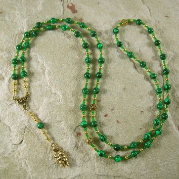 Goddess Prayer Bead Necklace in Reconstituted Malachite with Venus of Willendorf Pendant