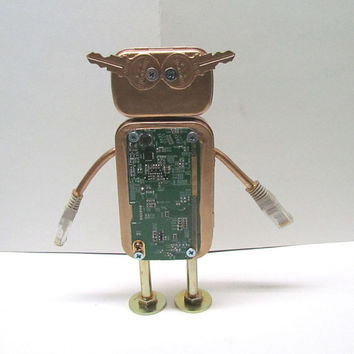 Found Object Robot Sculpture / Assemblage Robot Figurine - One of a kind unique creation - Unique Gift
