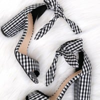 Classic Bow Heel Gingham.