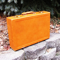 vintage cognac hard sided leather case. Leathercraft. topgrain cowhide covered. leather briefcase. gadget case