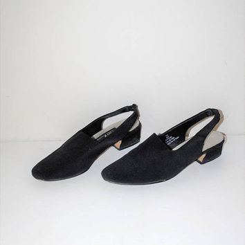 90s vintage normcore slingback shoes 1990s black vegan minimalist low heel shoes size 7