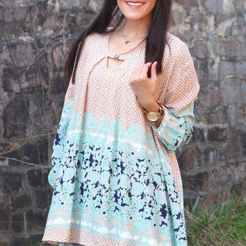 Wave After Wave Printed Keyhole Tunic {Almond+Mint}
