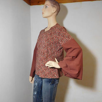 Upcycled Bell Sleeve Hippie Tshirt Red Rust Pattern Angel Sleeves Grommets Boho Blouse Recycled Bohemian Festival Plus Size XL Vintage Top