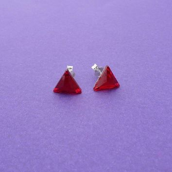 sweet red triangle stud earrings swarovski crystal sterling silver posts