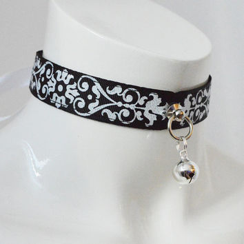 Kitten pet play collar - Victorian adequacy - bdsm proof black gothic choker with bell pendant - petplay goth lolita cosplay gear
