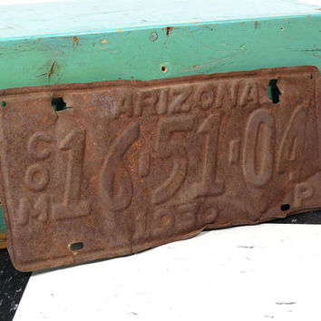 1930 Arizona Commercial Auto License Plate . Very Vintage . Rusty Distressed Decor