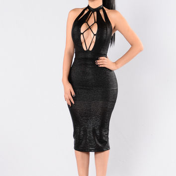 Give Me More Sass Dress - Black