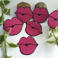 10 paper lips for bridal shower party or scrapbooking