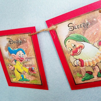 mini Snow White Banner, Rustic Look, Seven Dwarfs Garland, Snow White and 7 Dwarfs theme, Birthday, Classroom