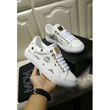 MCM 2018 early autumn new round head strap flat running shoes White