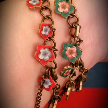 Flower bracelet - Charm bracelet - Teal and Pink flowers - Faux Bakelite - Flower jewelry - Bohemian - Gypsy - Vintage Look - Shrink Plastic
