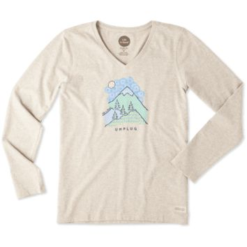Women's Unplug Mountain Pattern Long Sleeve Crusher Vee