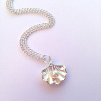 Small Mermaid Clam Shell with Pearl Silver Necklace
