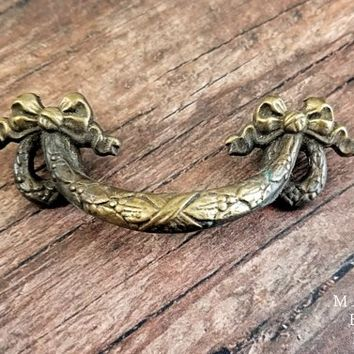 Ribbon & Bow Drawer Pull Wreath Dresser Pull Vintage Brass Drawer Pull Keeler Brass Co Drawer Pull Handles Antiqued Gold Dresser Hardware