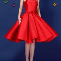 Red Lace-Up Strapless Prom Dress
