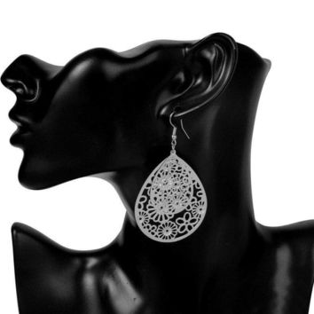 Dangling Floral Drop Earrings in Gold or Silver
