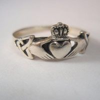 Ladies Irish Claddagh Love & Friendship Ring Solid Sterling Silver Ring 925