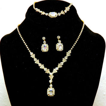 Gold Rhinetone Necklace set, Bridal Necklace, Wedding Jewelry Set, Delicate Necklace and Earrings