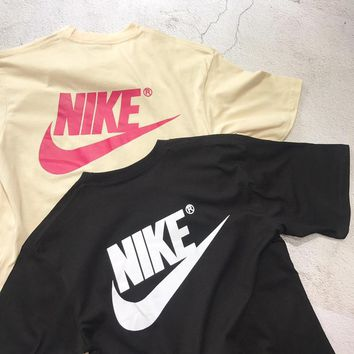 Nike Women T-shirt Back Logo Beige/Black T-shirt