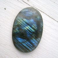 Large Labradorite  Oval Cabuchon,106.65 cts, quality gemstone piece, multi colored flash, very deep blue, blue green, green, yellow, purple