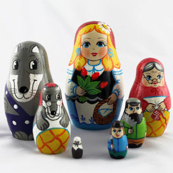 Matryoshka Russian Nesting Doll Babushka Beautiful Tale Little Red Riding Hood Krasnaya Shapochka Set 7 Pieces Pcs Wooden Hand Painted