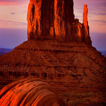 Monument Valley in Utah, southwest, A red sunset on the Mitten, photography art, for home and office décor. Title is: 147