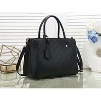Louis vuitton fashion hot seller solid color embossed lady shoulder bag Black