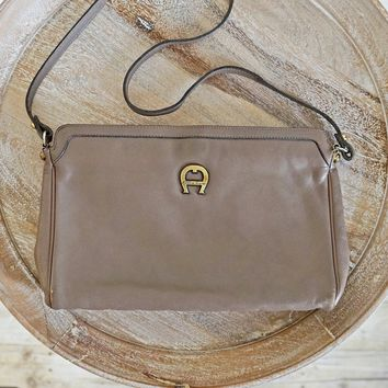 Vintage 1980s Leather + Chic Taupe Handbag