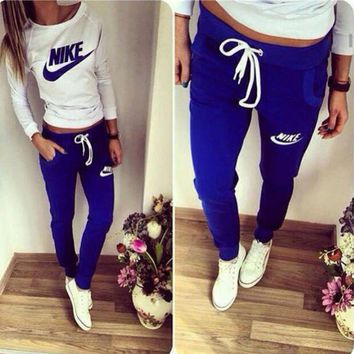 Nike Fashion Top Sweater Sweatshirt Pants Trousers Two-Piece Set Sportswear