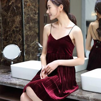Summer New Products European Vintage Nightgowns V Collar Fine Shoulder Band High Grade Gold Velvet Sling Dress Sexy Long Skirt