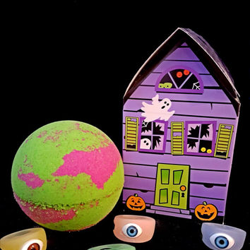 Haunted House Bath Bomb, Autumn Night Scented, Surprise Eyeball Ring inside of each bath bomb! Comes in adorable Haunted House Box!